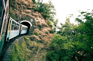 800px-Train_to_Shimla