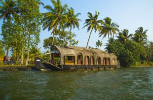 Floating Kerala houseboat copy