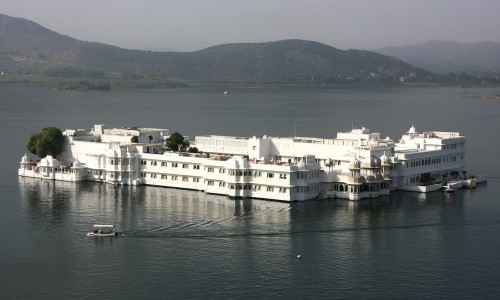 Udaipur City Tour (Half Day) : India Holiday Architects